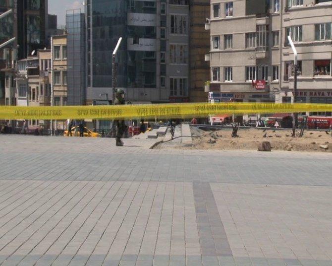Taksim'de şüpheli çanta paniği