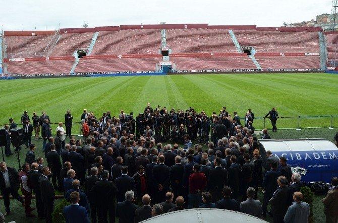 Trabzon Hüseyin Avni Aker Stadı'nda Tepkisini Ortaya Koydu