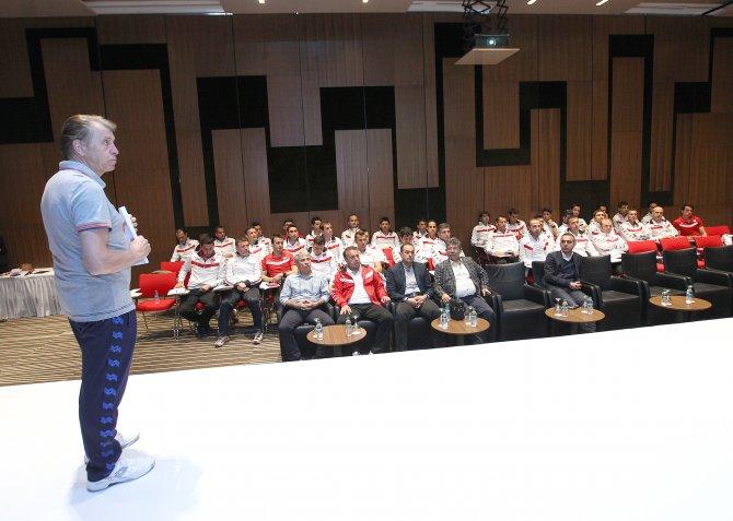 Futbolda, MHK üst klasman hakem semineri sona erdi