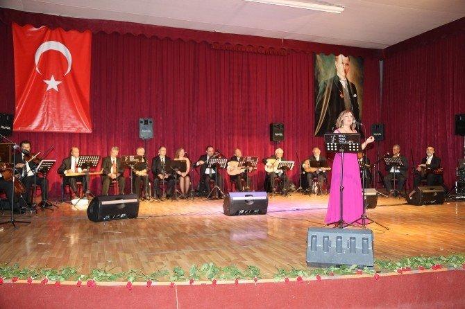 Urla Fasıl Topluluğu'ndan Müzik Ziyafeti