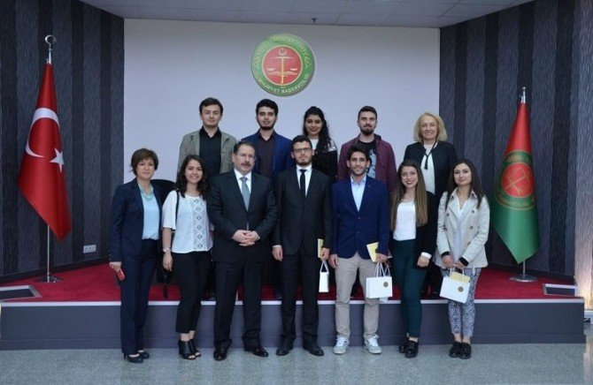 Hukuk Öğrencileri Yargıtay'ı Ziyaret Etti