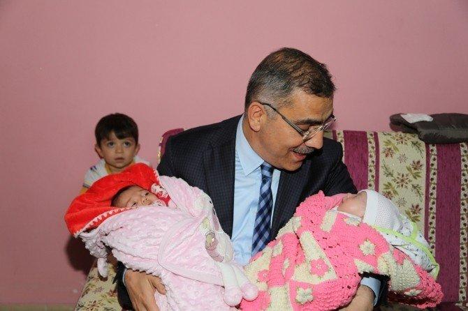 15 Bin Yeni Doğan Bebek Evlerinde Ziyaret Edildi