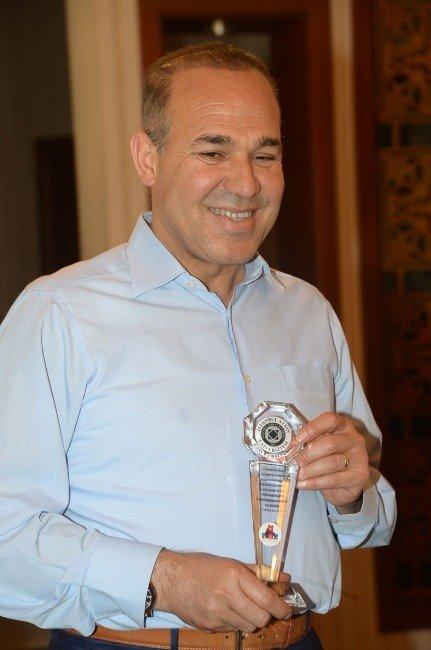 Türkiye En İyi Uygulama Ödül'ü Adana Kent Konseyi Engelli Meclisi'ne