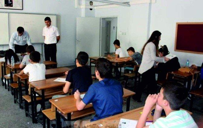 Kahta'da TEOG 2. Dönem Sınavı Yapıldı