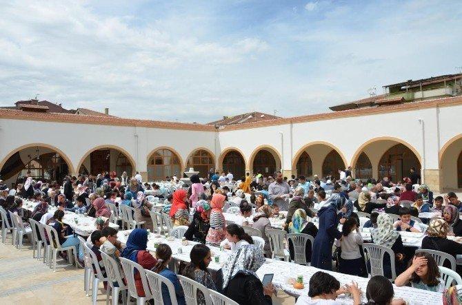 'Ailecek Camideyiz' Programına Yoğun İlgi