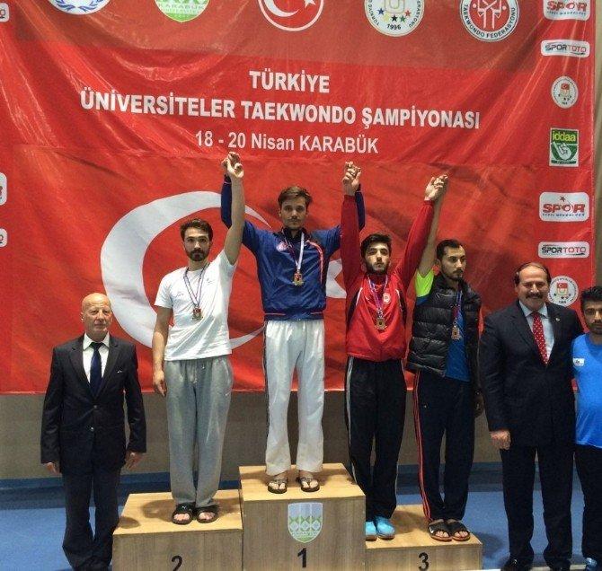 Besyo Sporcuları Madalya İle Döndüler
