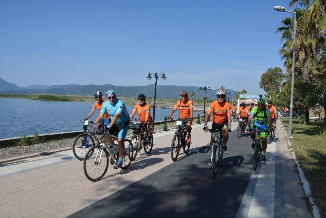 Bisikletçiler Köyceğiz Portakal Çiçeği Günlerinde Buluştu