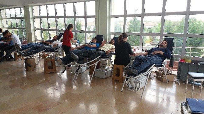 Yerköy Adalet Meslek Yüksekokulu Öğrencilerinden Kan Bağışı