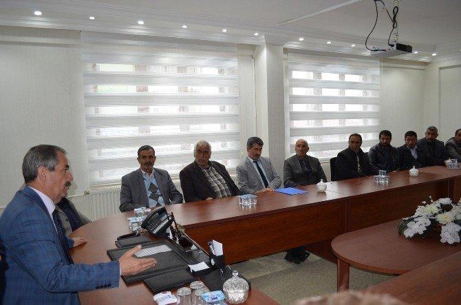 Adilcevaz'da Çiftçilerin Su Sorunu Görüşüldü
