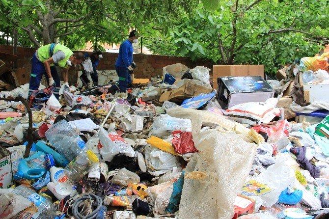 Şehir Çöplüğü Gibi Ev