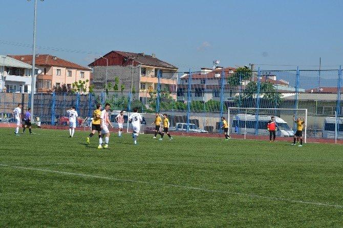 Düzce Meslek Yüksekokulu 1. Geleneksel Futbol Turnuvası Başladı