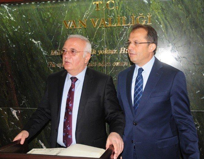 Ekonomi Bakanı Elitaş Van'da
