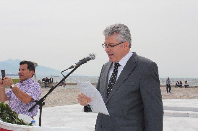 Emekli Astsubaylar İzmir'de Basın Açıklaması Yaptı
