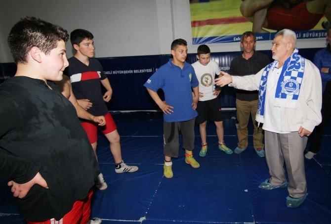Milli Güreşçi'den Sekesam'e Ziyaret