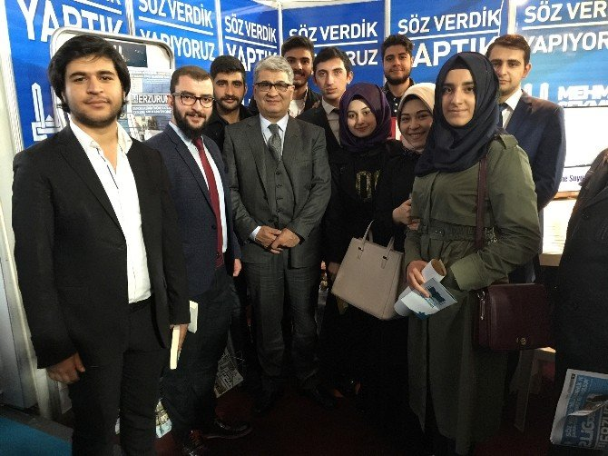Erzurum Kitap Fuarı'na Yoğun İlgi