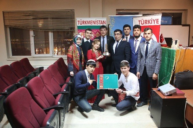 Güneş Vakfı Türk Tarih Kurumu Şeref Üyesi Bilal Şimşir'i Ve Türkmen Öğrencileri Ağırladı