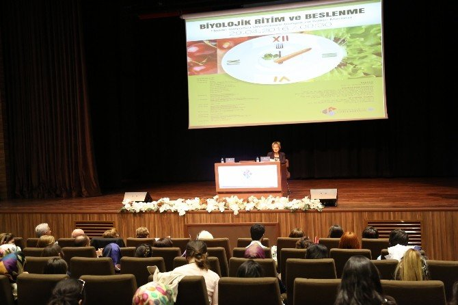 Gaziantep'te Biyolojik Ritim Ve Beslenme Konulu Konferans