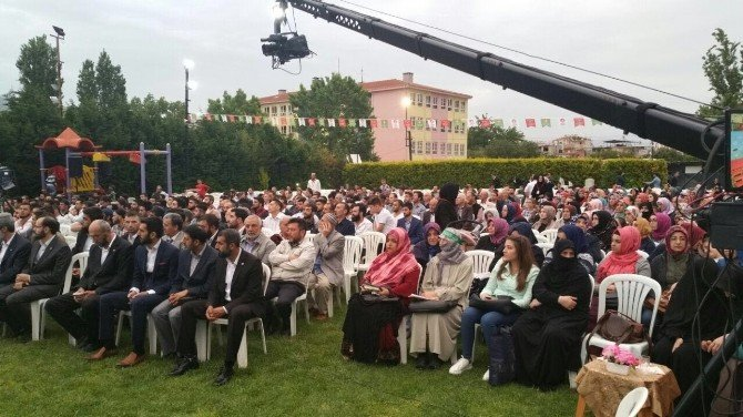 İzmirlilerden Kutlu Doğum Konferansına Büyük İlgi