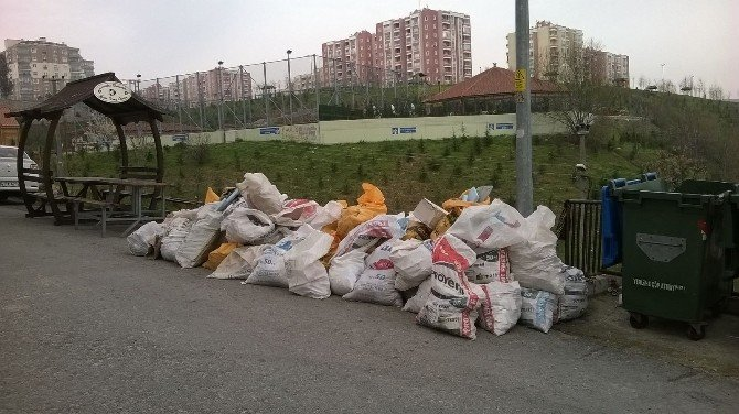 İzmit Belediyesi'nden Boş Alanlara Çöp Atmama Uyarısı