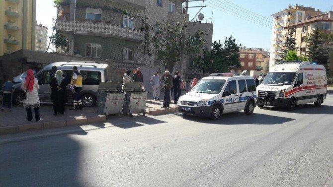Direksiyon Hakimiyetini Kaybeden Kamyonet Bahçe Duvarına Çarparak Durabildi