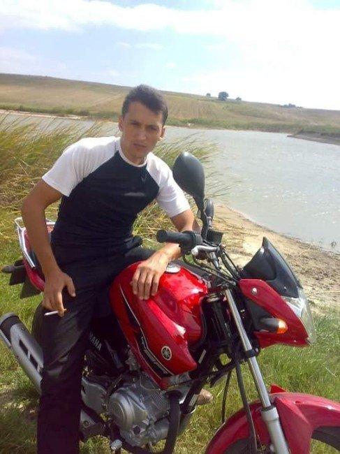 Otomobile Çarpan Motosikletteki 2 Aşçı Öldü