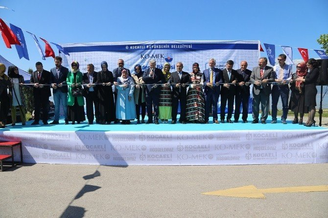 Ko-mek Karamürsel Sergisi Açıldı