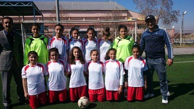 Küçük Köy Okulundan Dev Başarı