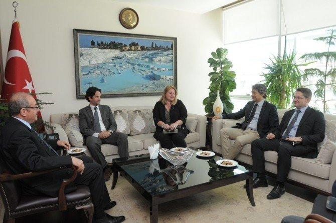 Macaristan Başkonsolosu Balazs Hendrich, Vali Şükrü Kocatepe'yi Ziyaret Etti
