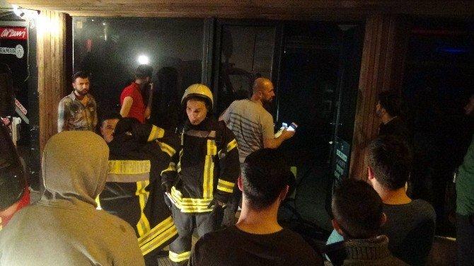 Kuaför Salonunda Korkutan Yangın