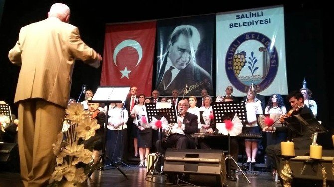 Salihli'de Bahar Tadında Konser