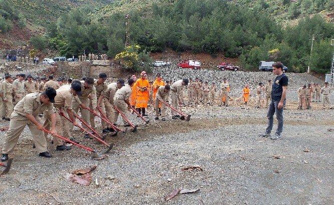 Aksaz'da Askerlere Yangın Söndürme Eğitimi