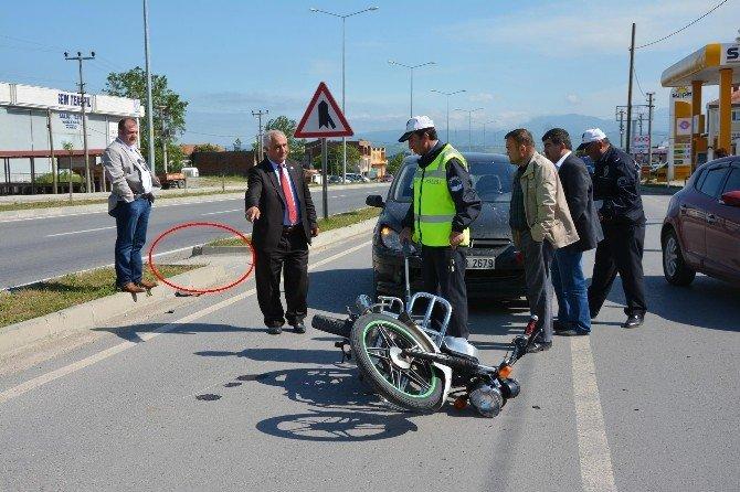 Yaya Yolundan Geçen Motosiklet Otomobille Çarpıştı: 1 Yaralı