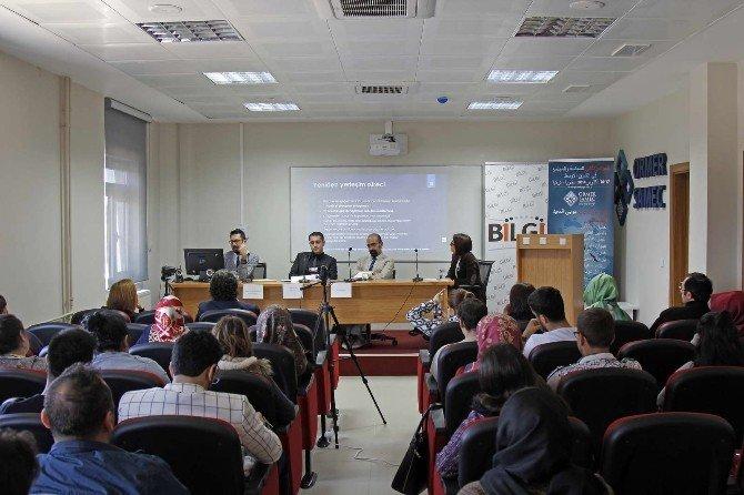 """SAÜ'de """"Türkiye'deki Suriyeliler"""" Paneli"""