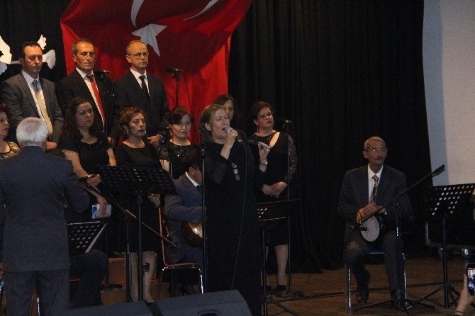 Bergama'da Mest Eden Türkü Gecesi