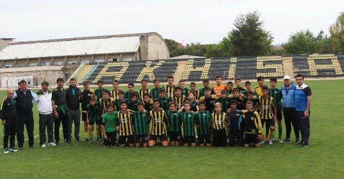 """Arslan: """"Türk Futbolcunun Geleceği Aydınlık Görünüyor"""""""