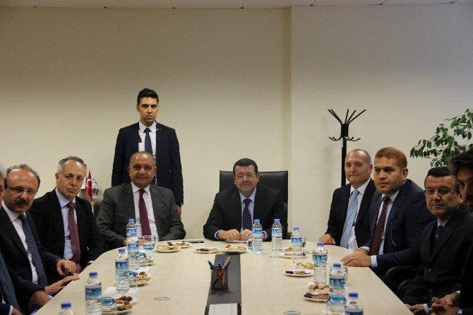 Ürdün Ulaştırma Bakanı Ro-ro Seferleri İçin İskenderun'da