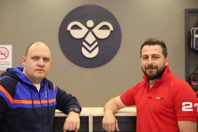 Uşak Sportif'in Giyim Sponsoru Yenilenen Yüzüyle Yeni Mağazasını Açtı