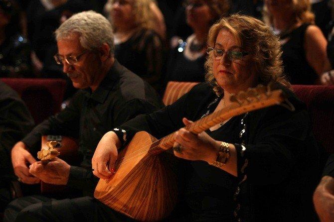 Yenimek Kursiyerleri, Yılsonunu Konserle Taçlandırdı