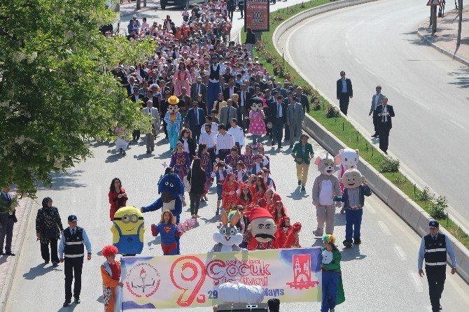 Bilecik Çocuk Festivali İle Rengarenk
