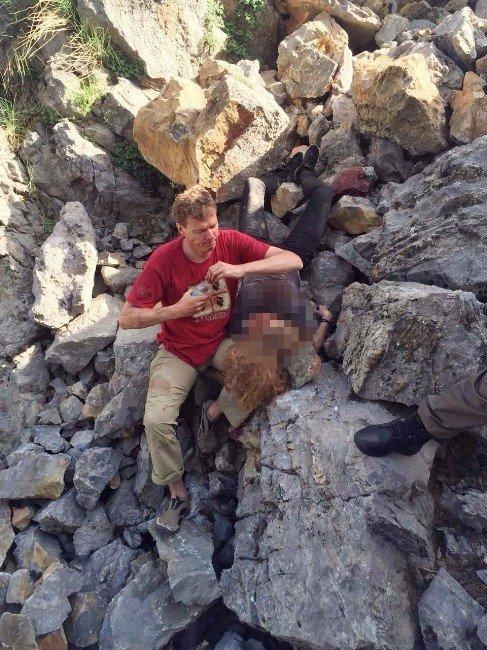 Kayalıklardan Düşen Hollandalı Turist Hayatını Kaybetti