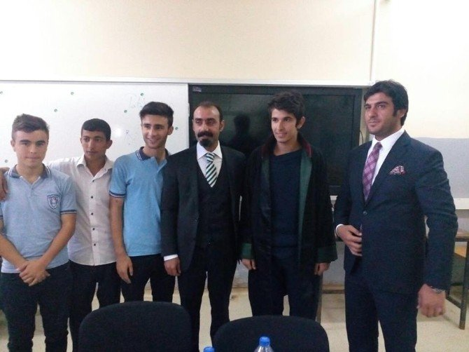 Avukat Güneş Öğrencilere Avukatlık Mesleğini Tanıtı