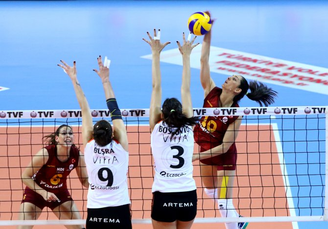 Eczacıbaşı VitrA, Galatasaray Daikin'i 3 - 1 mağlup etti