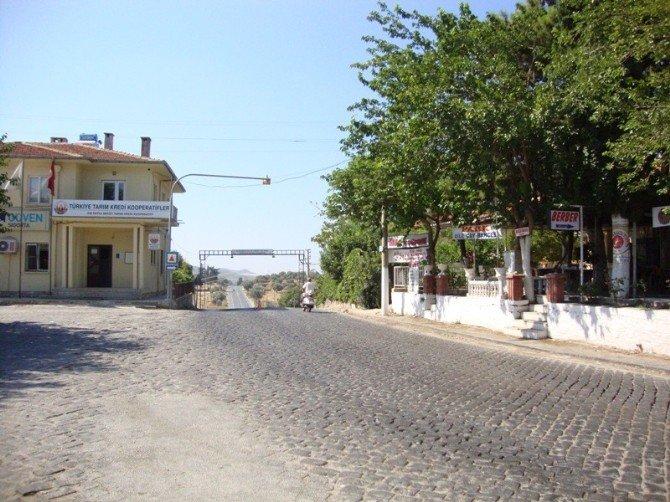 Doğanbey'i Bırak, Akköy'e Bak