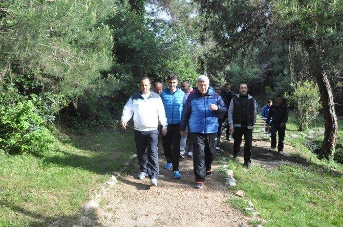 Sağlıklı Yaşam Yürüyüşleri Dilovası'nda Devam Etti