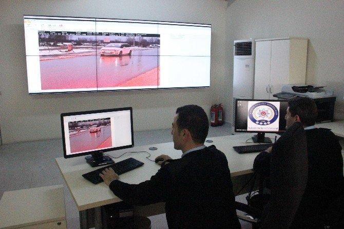 'Kule Radarlar' Sürücülere 10 Günde 2 Buçuk Milyon TL Ceza Kesti