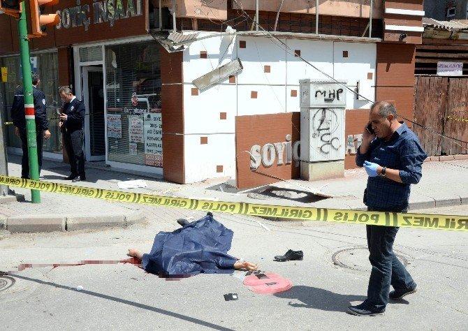 Ebkişehir'de 8. Kattan Atlayan Vatandaş Hayatını Kaybetti