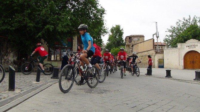 Bisiklet Tutkunları Gazi Kentte Buluştu