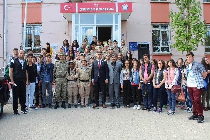 Gemerek'te Öğrenciler Çanakkale'ye Gönderildi