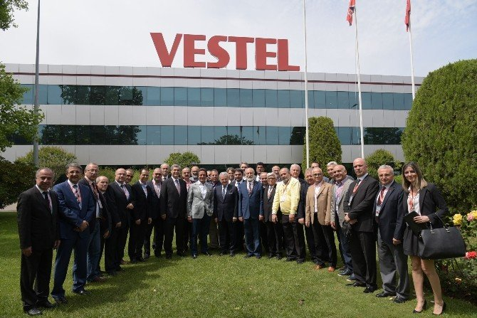 """Demirtaş: """"Türkiye'nin Üretim Üssü Olması İçin 10 Vestel'e Daha İhtiyaç Var"""""""