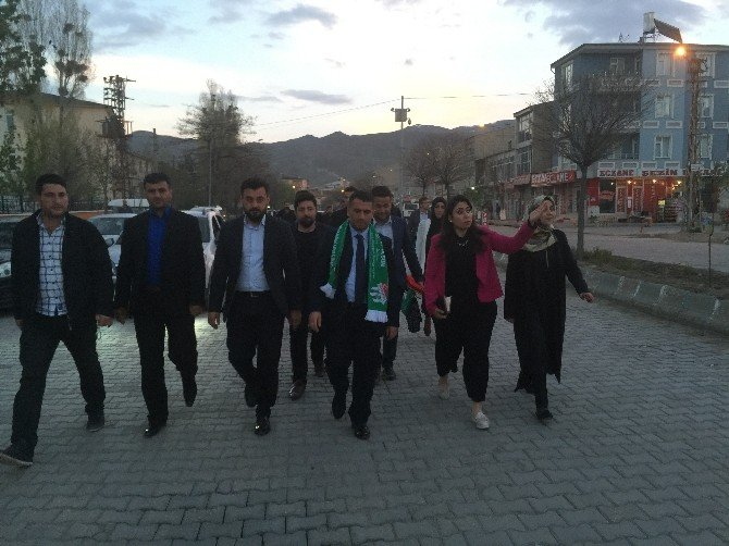 """AK Parti'den """"Kardeşim Birlikteyiz"""" Projesi"""